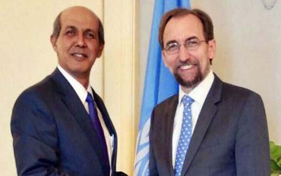 Hasan Kleib (left) and Zeid Raad Al-Hussein (right) at UN headquarters in Geneva (PTRI Jenewa)