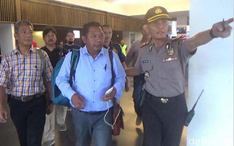 Police detain Naufal Baderi and Basuki Rahmat - May 23, 2018 (Detik)