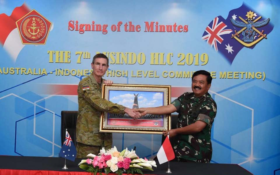 Angus Campbell and Hadi Tjahjanto at Ausindo HLC – August 1, 2019 (TNI)