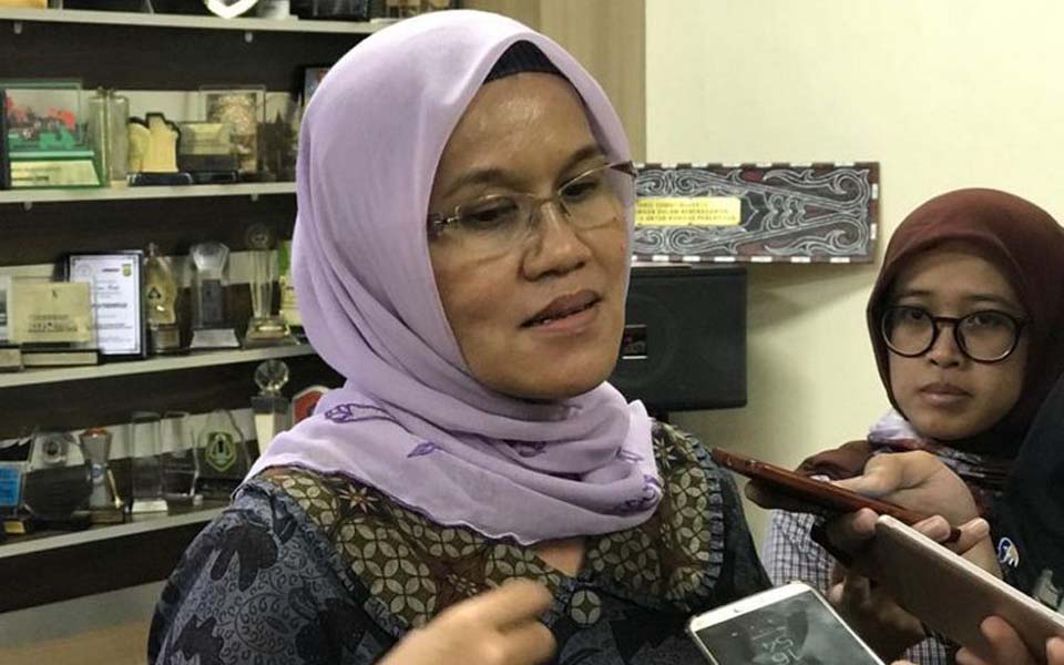 Azriana Manalu speaking to reporters – February 6, 2019 (Kompas)