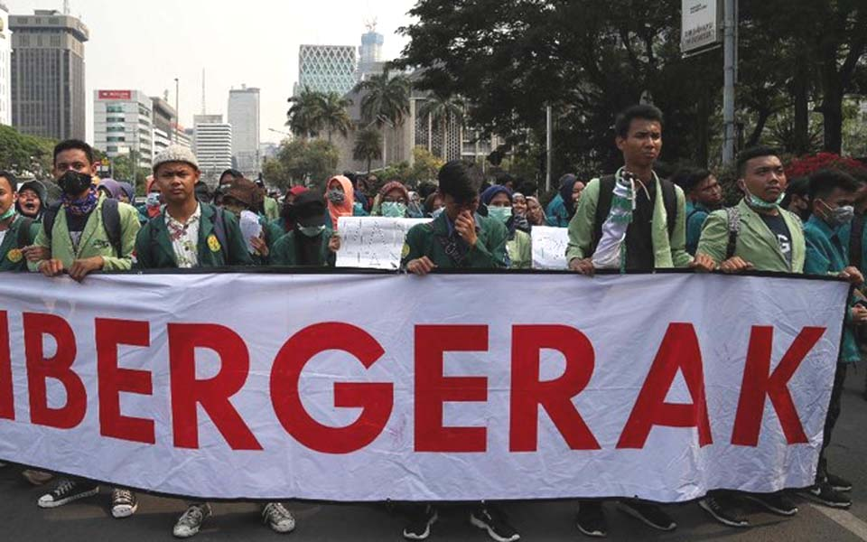 BEM SI protest at the Horse Statue in Central Jakarta – October 17, 2019 (Detik)