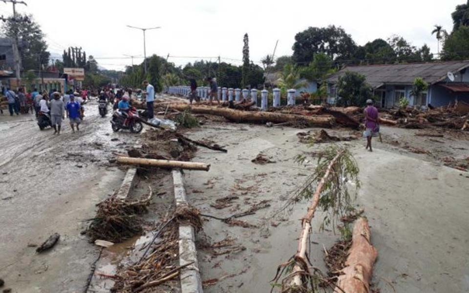 Damage cause by flash floods in Sentani (Tabloid Jubi)