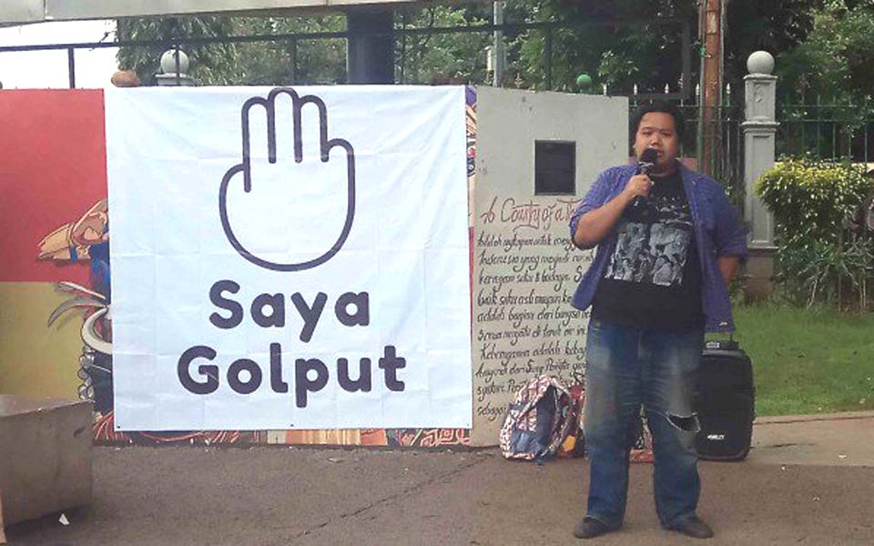 Free speech forum in front of State Palace – February 21, 2019 (Viva)