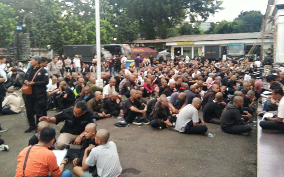 Hundreds of youths wearing black arrested in Bandung – May 1, 2019 (Kompas)