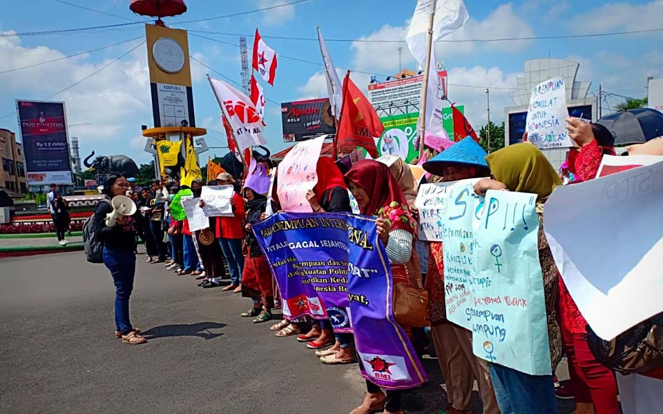 Lampung creative women's march – March 8, 2019 (Radar Lampung)