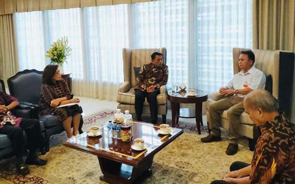 Moeldoko speaks with Mugiyanto and family representatives – March 13, 2019 (Dok KSP)
