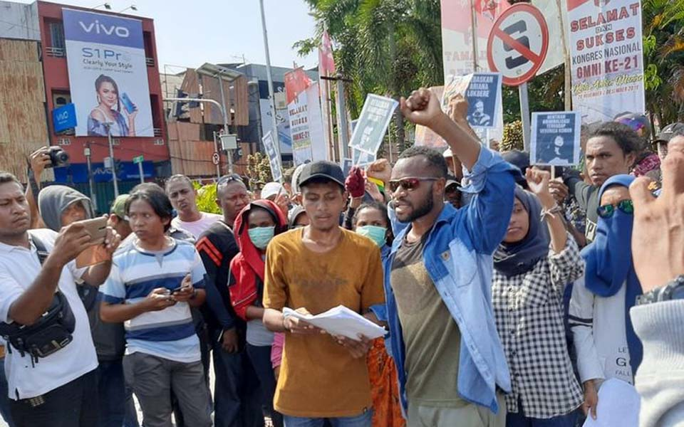 Papuan students hold rally demanding referendum in Ambon – December 1, 2019 (Kompas)