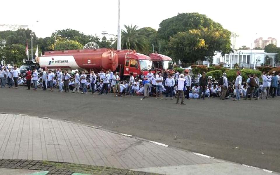 Pertamina tanker workers protest in front of State Palace – March 18, 2019 (SP-AMT)