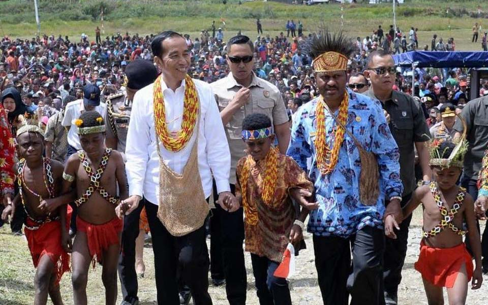 President Widodo on visit to Arfak Mountain in Papua – October 27, 2019 (Presidential Press Bureau)
