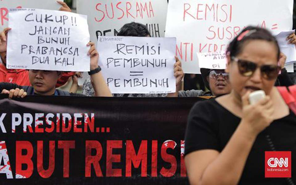 Protest against sentence remission for I Nyoman Susrama (CNN)