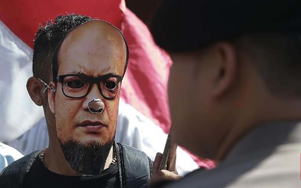 Protest calling for Novel Baswedan case to be resolved (CNN)