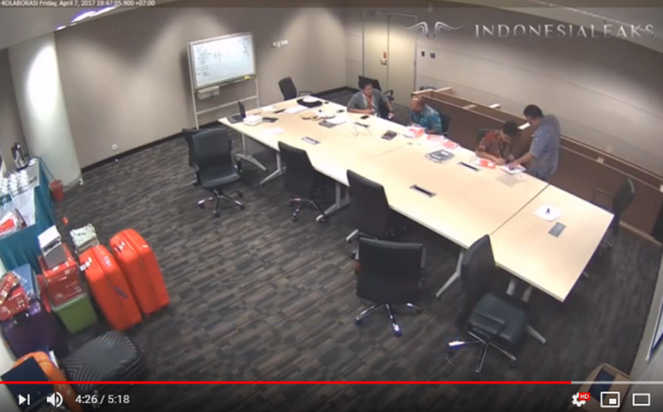 Screen shot from CCTV video recording showing evidence tampering (IndonesiaLeaks)