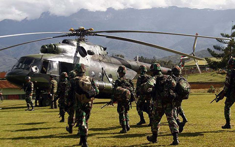 TNI personnel in Wamena preparing to leave for Nduga (Antara)