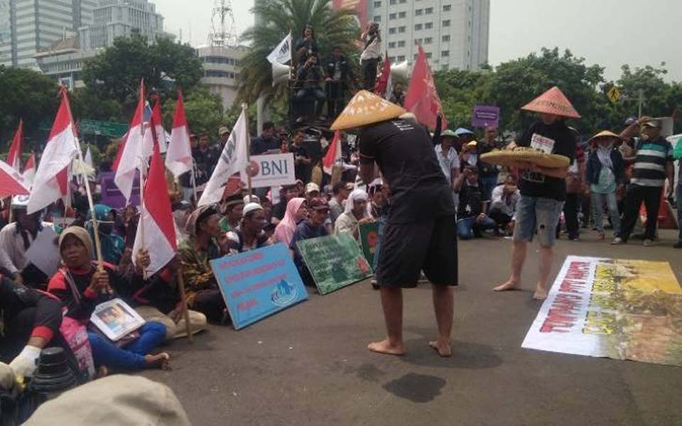 Walhi activists protest rights abuses at rally in Jakarta (Portal Hijau)
