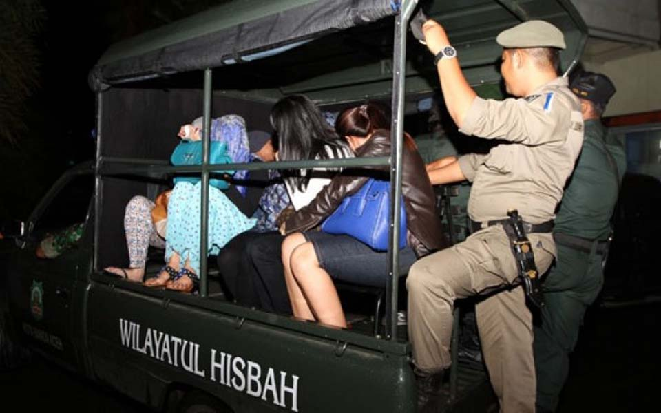 Wilayatul Hisbah arrest women found out alone at night in Aceh (Antara)