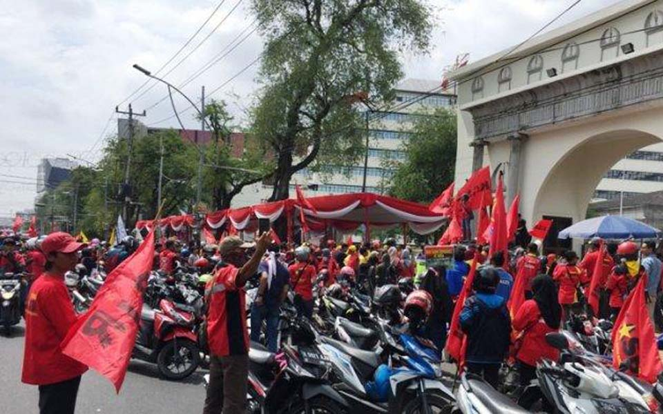 Workers hold May Day rally at Semarang City Hall – May 1, 2019 (Tribune)